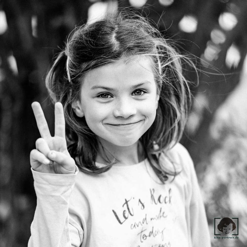 Kindergartenfotografie im freien Spiel / echtes freies Spiel