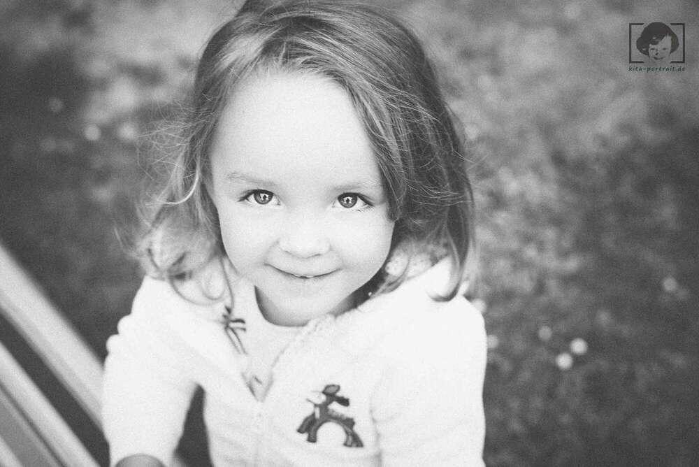 Kinderfotografie im freien Spiel / echtes freies Spiel (kita-portrait.de)
