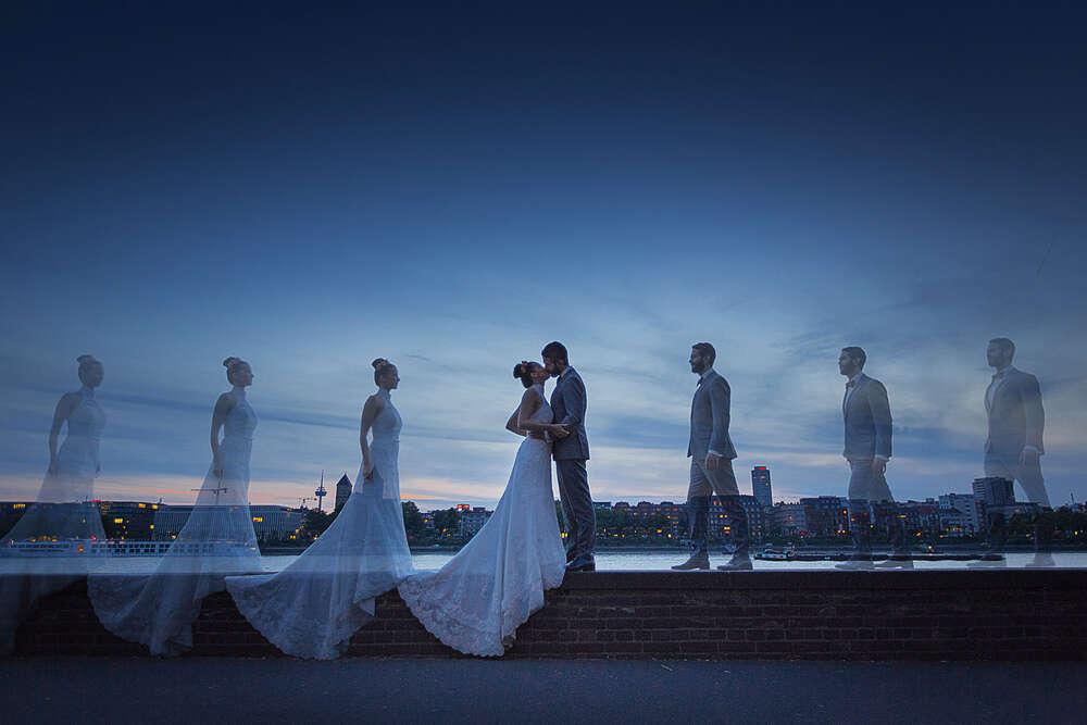 Hochzeitsfotograf Köln / Hochzeitsfotos Rheinufer Köln (Frank Herzmann Fotografie)