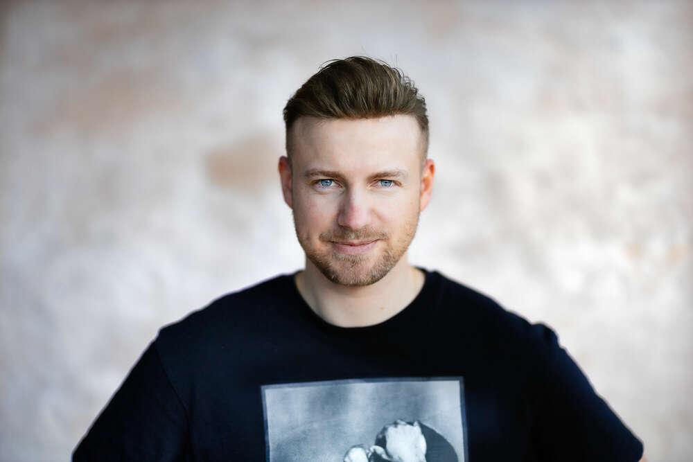 Portraitaufnahme von Stephan (BAERENSTARK.media)