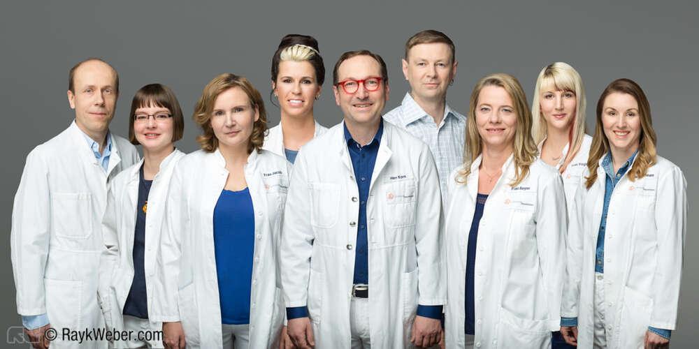Teamfoto im Studio / Zusammengesetztes Teamfoto (Freier Fotograf Rayk Weber)