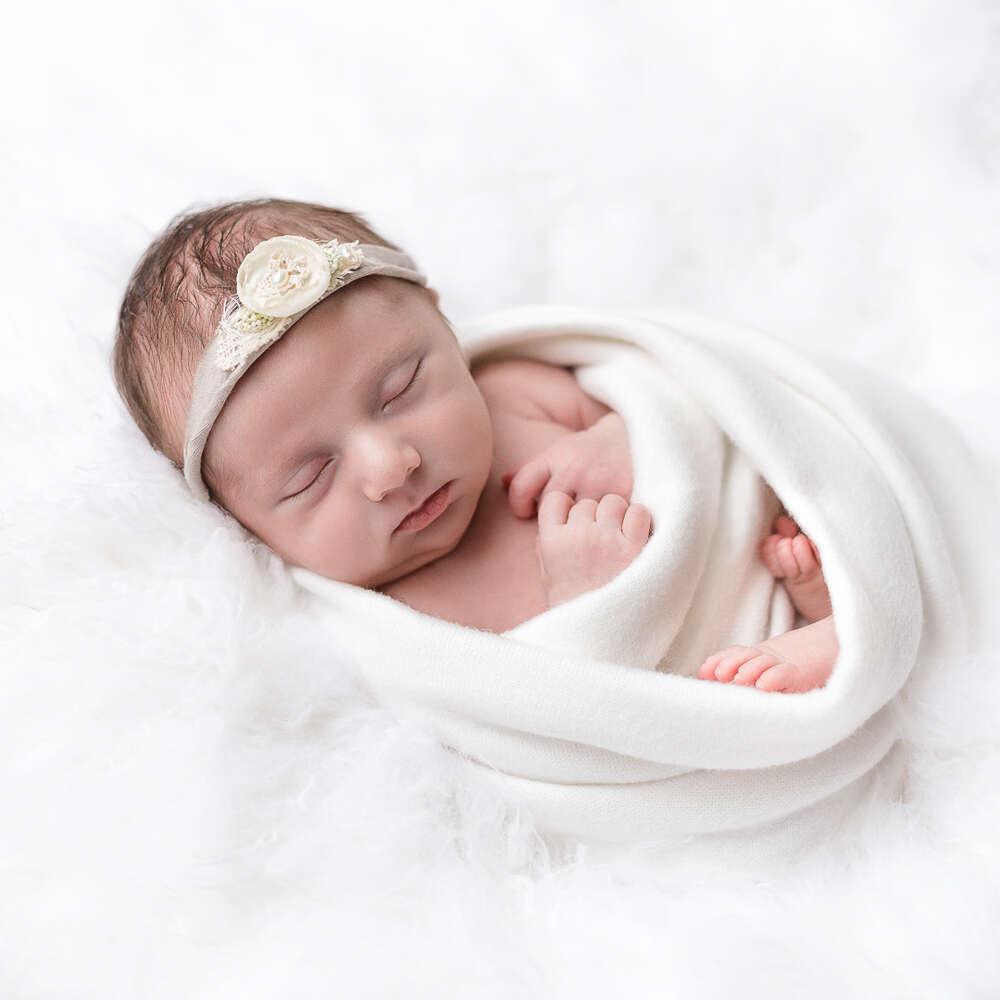 Neugeborenenfotografie / baby, neugeborene, babyshooting, babyfotos, newborn, weiss (Ira Baum Fotografie)