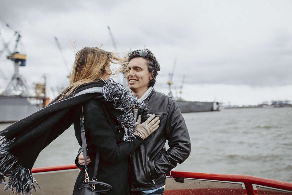 Paar-Shooting auf dem Schiff / Engagement-Shooting (Rebekka Müller Photography)
