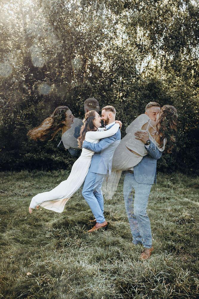 Fröhliches Brautpaar-Shooting // Herbst-Hochzeit Hamburg (Rebekka Müller Photography)
