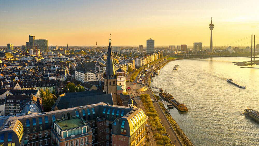 Düsseldorf / Drohnen Aufnahme der Düsseldorf Altstadt (Köster Fotografie)