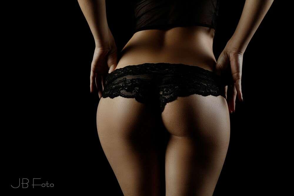 Dessous / Dessous Body Detail (JBFoto)