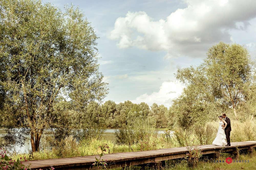 Hochzeitsfotograf-Braunschweig / Hochzeitspaar-auf-der-Brücke (ZANAPHOTOS)