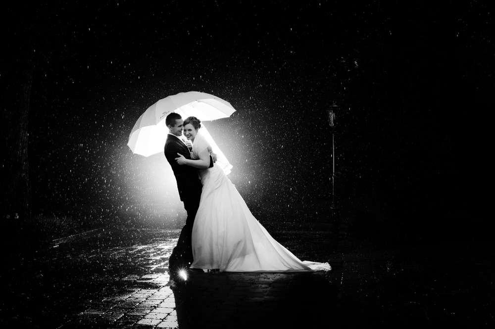 Hochzeit im Regen / Hochzeitsbilder in Offenbach, Frankfurt und Umgebung