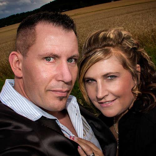 Fotostudio FotoGrafikArts - Mandy Becker - Fotografen aus Salzlandkreis ★ Jetzt Angebote einholen