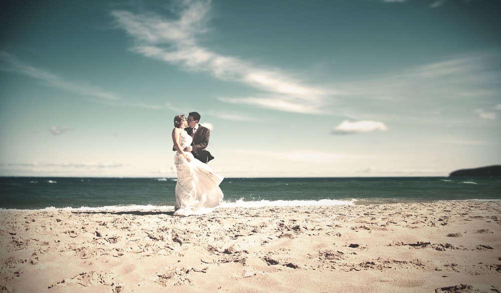 Romantische Strandhochzeit am Meer / Hochzeitsfotografie