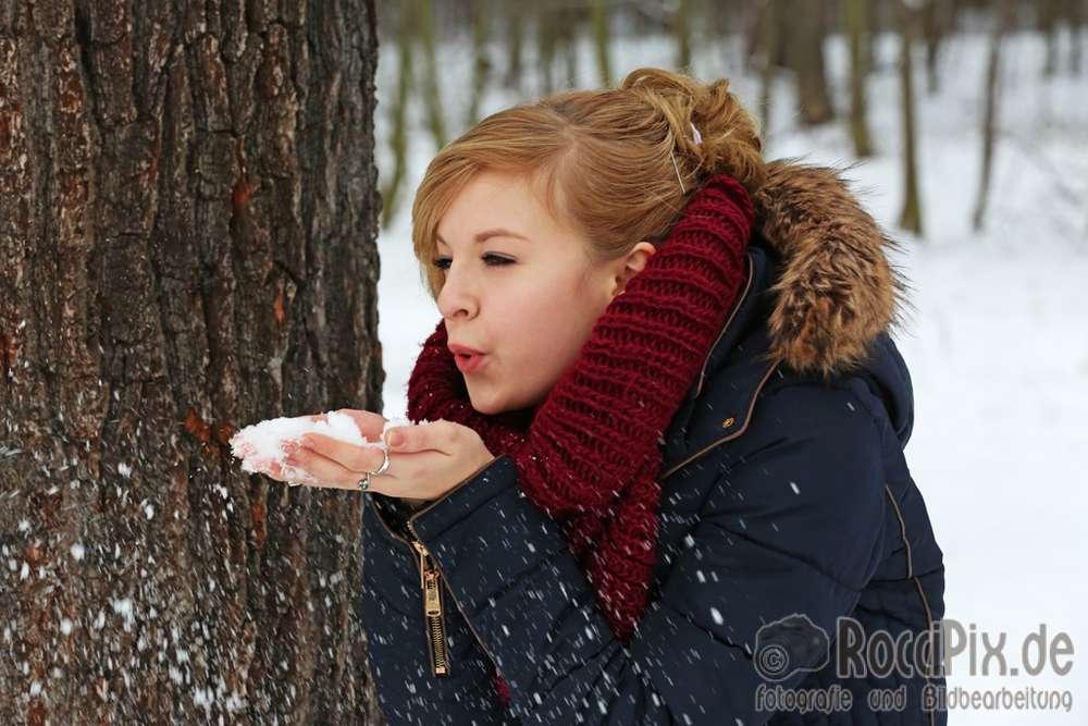Alina im Schnee / Mehr Portraitbilder unter roccipix.de (RocciPix)