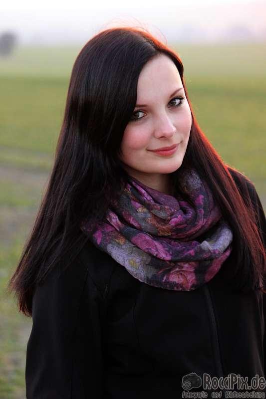 Nadine beim Sonnenuntergang / Mehr Portraitbilder unter roccipix.de (RocciPix)