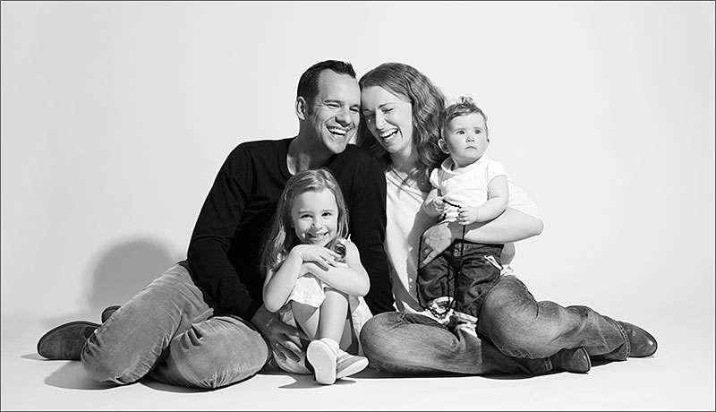 Familienfoto im Studio / © LUMENTIS Fotostudio Berlin • www.lumentis.de (LUMENTIS Fotostudio Berlin)