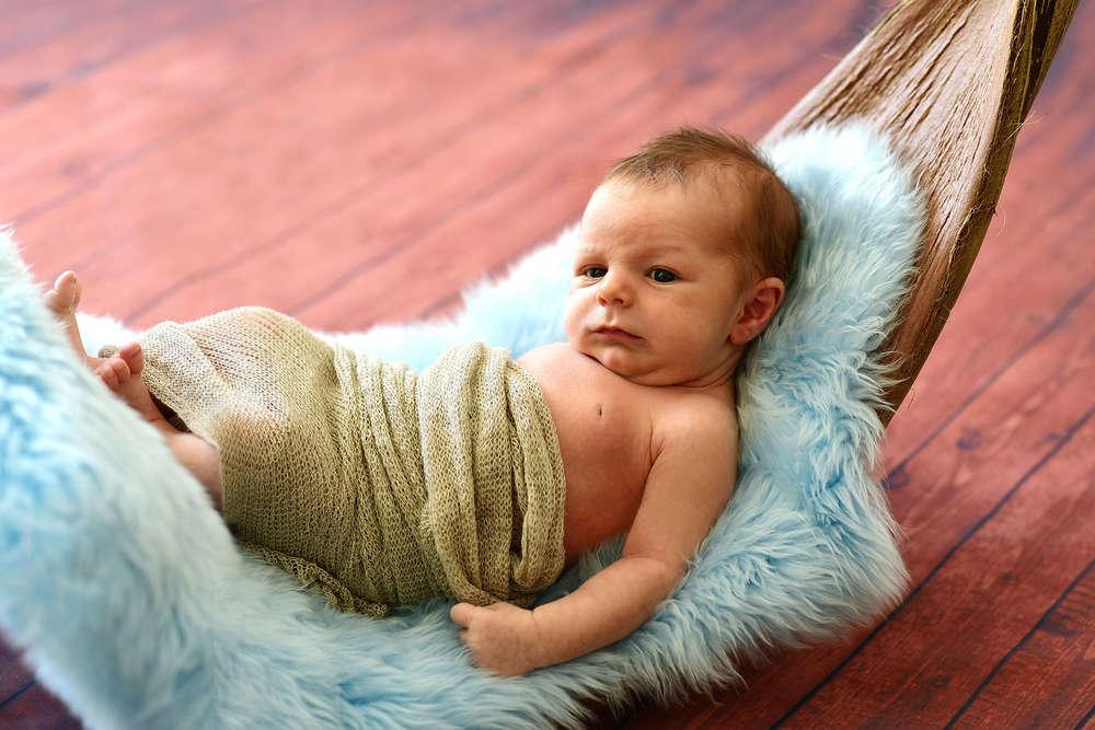 Baby in Schale / Babyfotografie (EE fotografie)