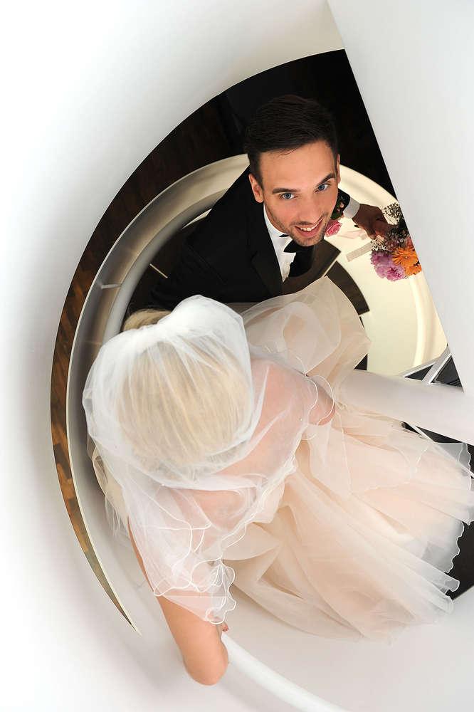 Hochzeit auf Treppe / Hochzeit (EE fotografie)