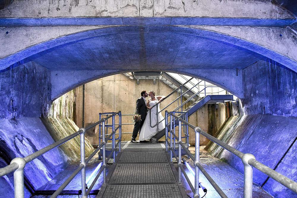Hochzeit im Tunnel / blaue Hochzeit, schönster Tag (EE fotografie)