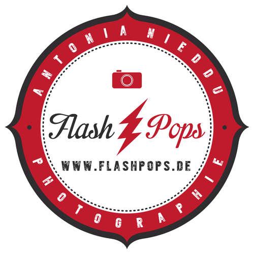Flashpops Photographie - Antonia Nieddu - Hochzeitsfotografen in Deiner Nähe ★ Preise vergleichen