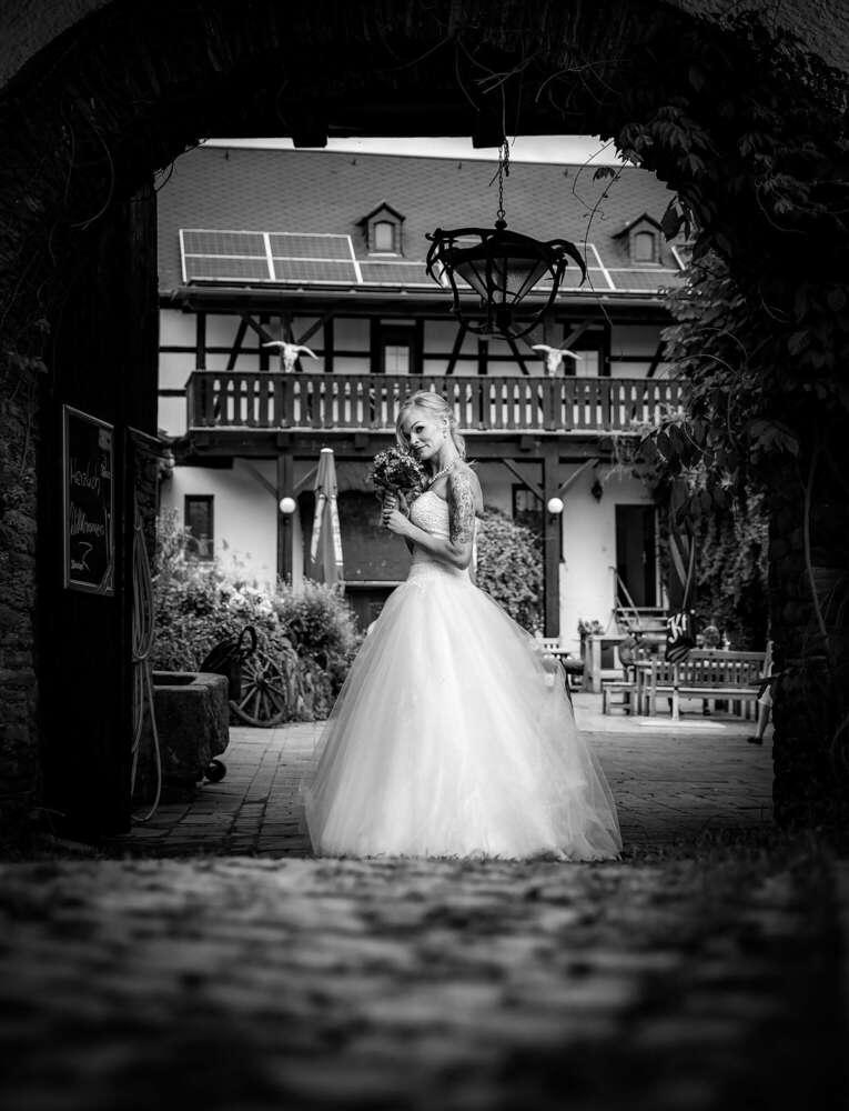 One Moment Wedding - Matthias Matz (One Moment Wedding - Matthias Matz)