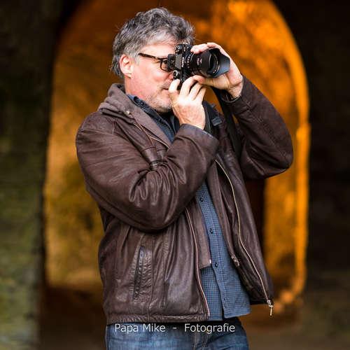 Papa Mike - Michael Häckl - Fotografen aus Offenbach am Main ★ Preise vergleichen