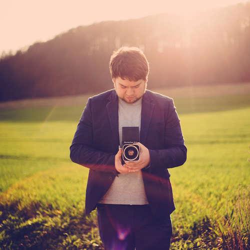 gut Licht! Hochzeitsfotografie - Adrian Liebau - Fotografen aus Kyffhäuserkreis ★ Preise vergleichen