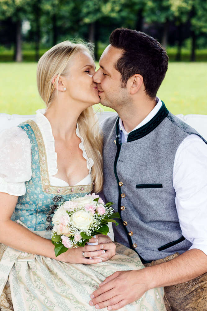 Bayerisches Brautpaar /
