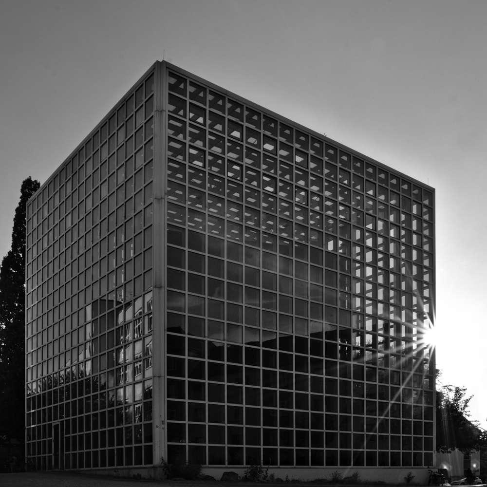HBK Block in fromt of sunset / Building of university of arts (http://spiegelbilder.de)