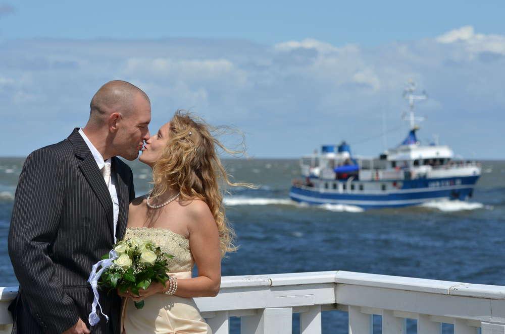 An der Alten Liebe / Nach der Trauung auf dem Leuchtturm (Ihr Fotograf in Cuxhaven)