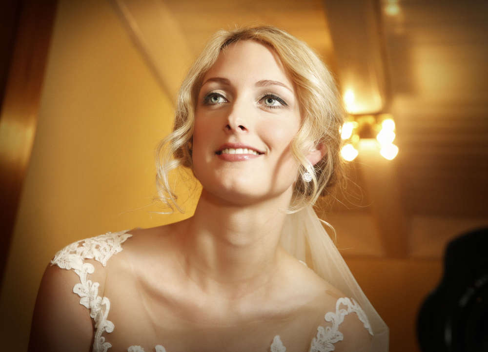 Hochzeitreportage / Braut (Makeup -Fotoroom)