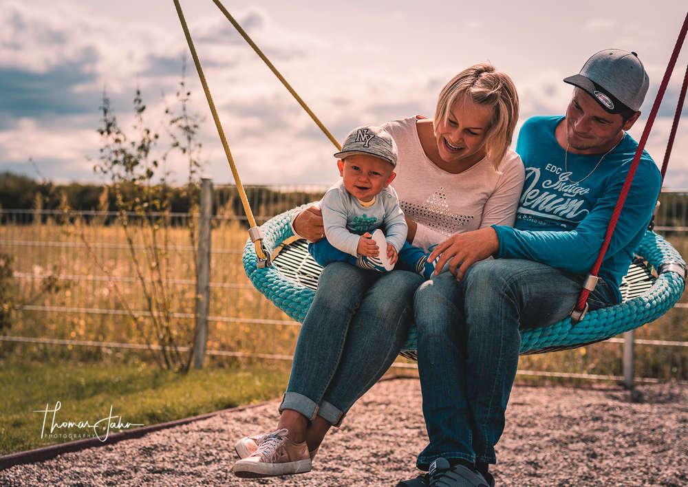 Happy Family (Thomas Jahn Photography)
