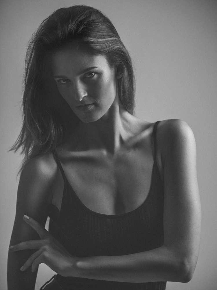 Portrait im Studio / Nina (Hofstätter GbR)