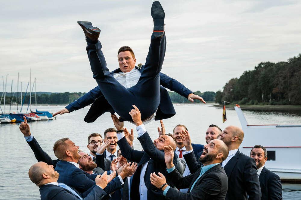 Fly (Ruhrpics Hochzeitsfotografie by M. Tiemann)