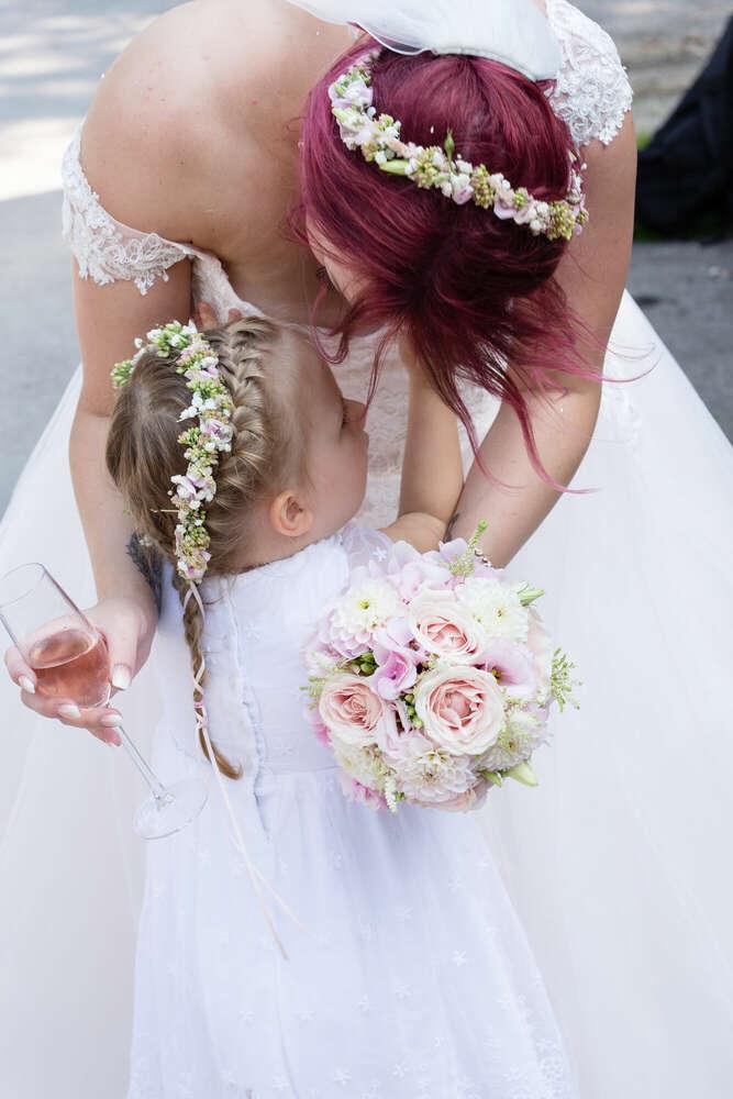 Hochzeit mit Überraschungen / ausgelassene Hochzeit (lightpainting-fotografie)