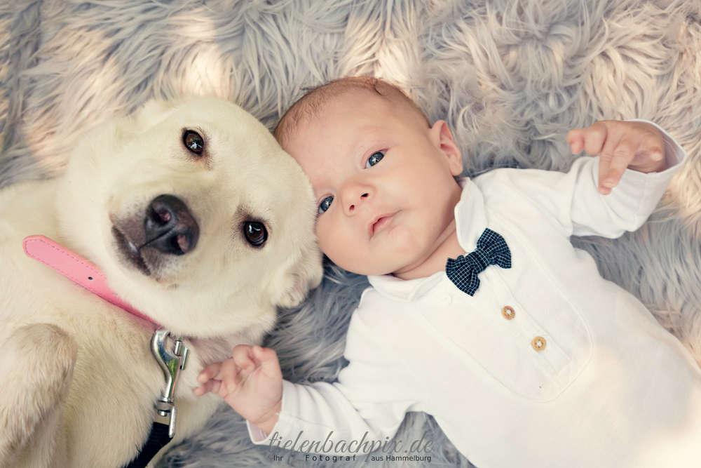 Ilyas mit seinem besten Freund /