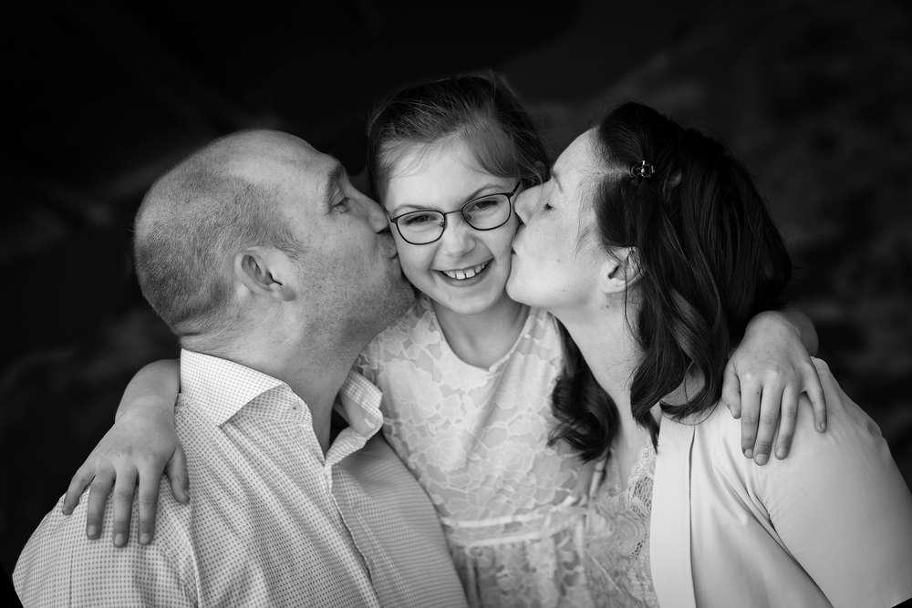Familie in schwarz/weiß / Familienfotografie (Fotografie mit Magie)