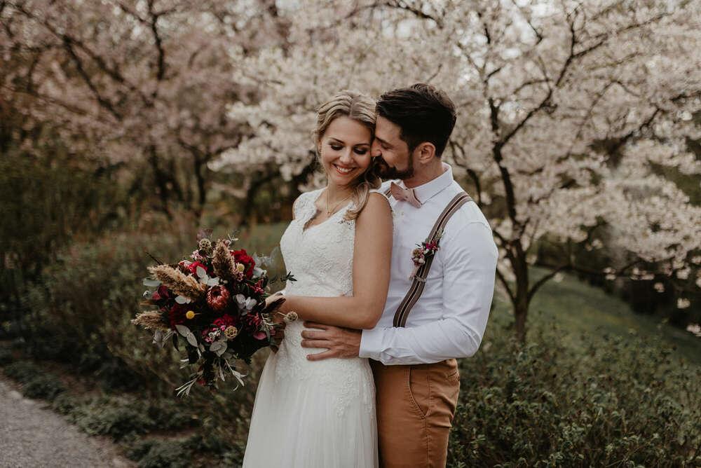 Hochzeitsshooting / Frühlingstraum mit Kirschblüten (Nicole Grasmann Photography)