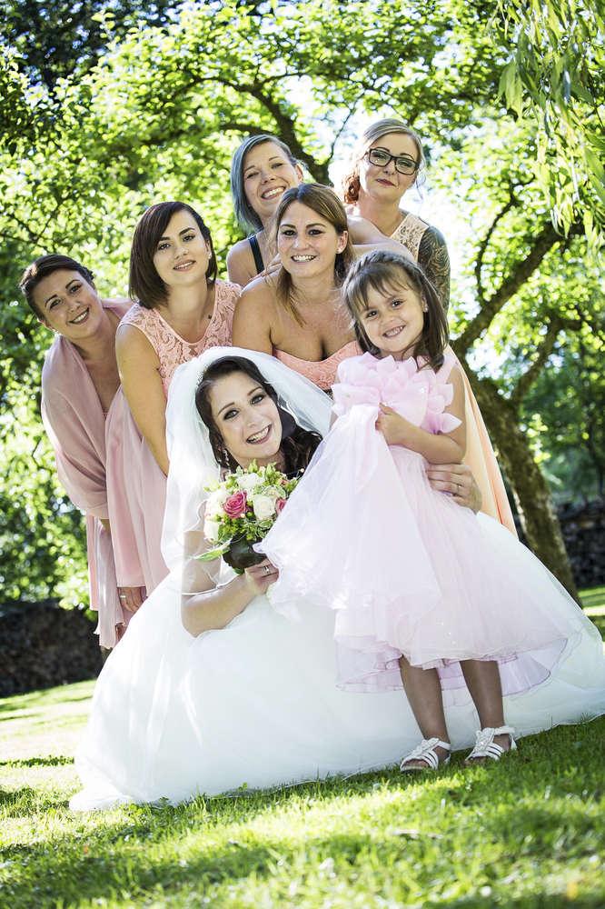 Braut mit den Brautjungfern (Fotomentalist)