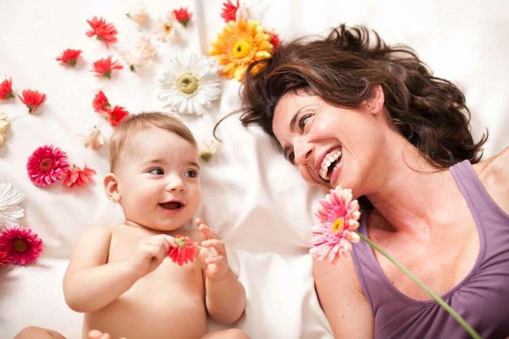 Kinderfotografie / Baby mit Mutter (Petit Camera, Babyfotografie)