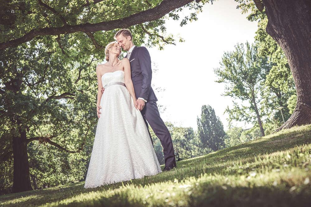 Brautpaar Park / hochzeit, braut, wedding, feier, paarshooting, brautkleid, brautpaar (Lichtkegel Fotografie)