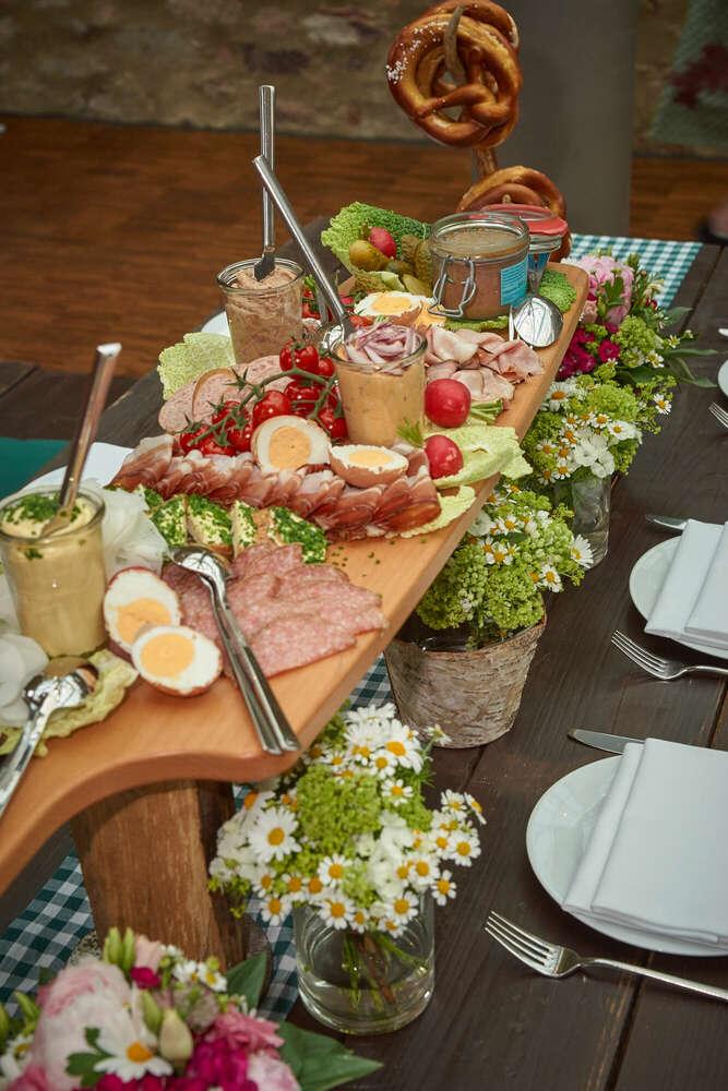 Katerfrühstück / Nach der Feier kommt die Feier (Roman Stöppler Fotografie)