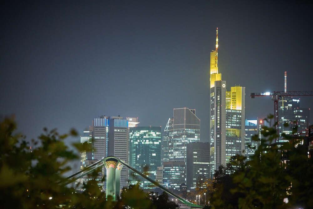 Frankfurt Bankfurt / Skyline bei Nacht (Roman Stöppler Fotografie)