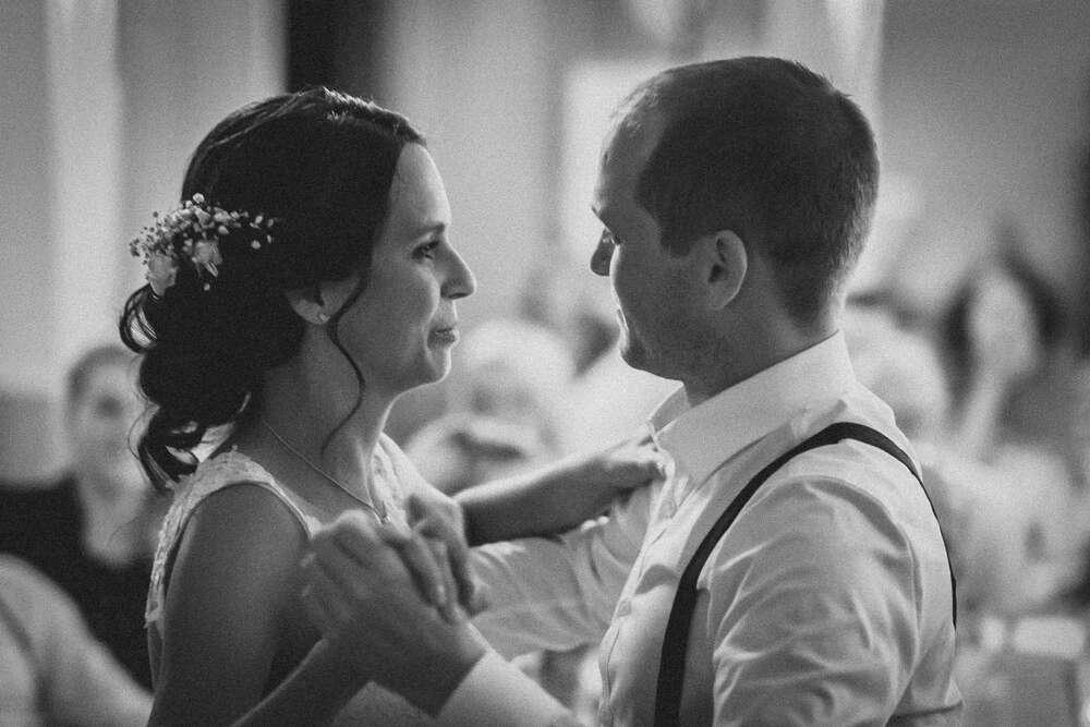 Beim Hochzeitstanz wussten sie, dass es Liebe ist (Christian Freier)